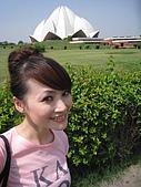 九月抓飛印度蓮花寺:另一邊原野看到的蓮花寺