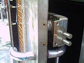 基隆特色:鎖被破壞 (1).jpg