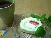好吃的:諾貝爾草莓奶凍捲.jpg