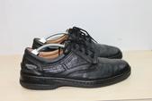 發霉處理:黑皮鞋發霉清潔保養後2.JPG