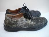發霉處理:黑皮鞋發霉清潔保養前2.JPG