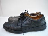 發霉處理:黑皮鞋發霉清潔保養前4.JPG