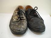 發霉處理:黑皮鞋發霉清潔保養前1.JPG