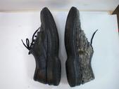 發霉處理:黑皮鞋發霉清潔保養前5.JPG