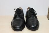 發霉處理:黑皮鞋發霉清潔保養後1.JPG