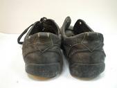 發霉處理:LV黑休閒鞋發霉清洗保養前5.JPG