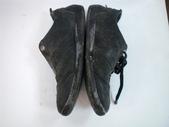 發霉處理:LV黑休閒鞋發霉清洗保養前6.JPG