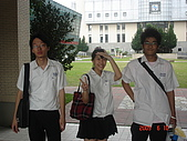 2009/06_新店高中15屆畢業典禮暨謝師宴:這張被笑了