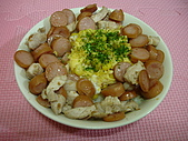 菜單2(200812~200901):20081228_豬肉蛋鑫鑫腸.JPG